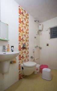 Bathroom Image of Hetal Shah Exclusive Accommodation in Makarba
