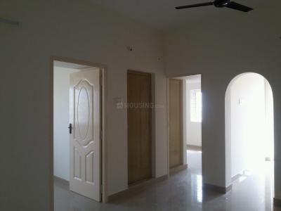 Gallery Cover Image of 720 Sq.ft 2 BHK Apartment for rent in Urapakkam for 11000