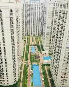 Gallery Cover Image of 1575 Sq.ft 3 BHK Apartment for buy in DLF Capital Greens, Karampura for 15900000