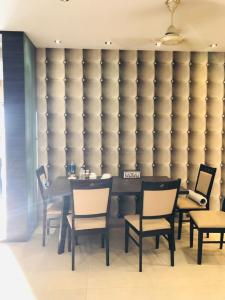 Gallery Cover Image of 1845 Sq.ft 4 BHK Apartment for rent in Jadavpur for 84000