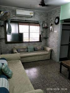 Gallery Cover Image of 525 Sq.ft 1 BHK Apartment for buy in Mayfair Marve Queen, Malad West for 6100000