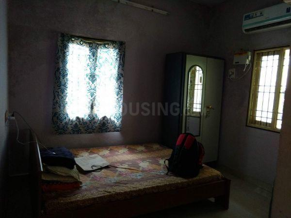 Bedroom Image of 800 Sq.ft 2 BHK Independent House for rent in Sembakkam for 8500