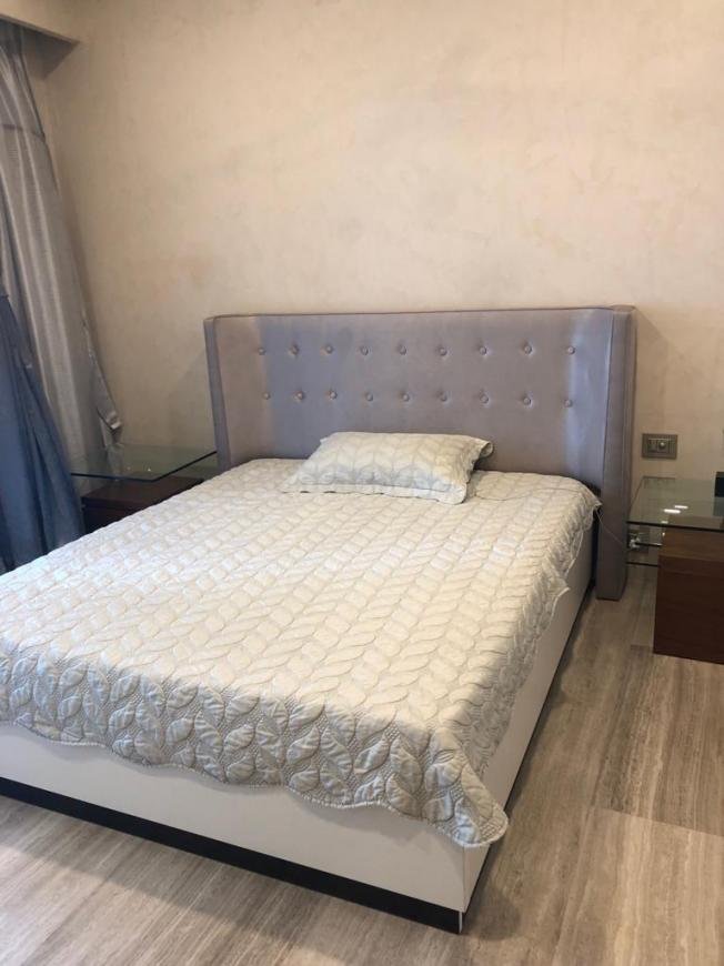 Bedroom Image of 800 Sq.ft 2 BHK Apartment for rent in Malabar Hill for 125000