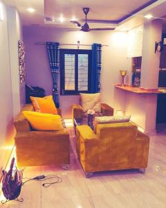 Gallery Cover Image of 1000 Sq.ft 2 BHK Independent House for rent in Rajouri Garden for 37000
