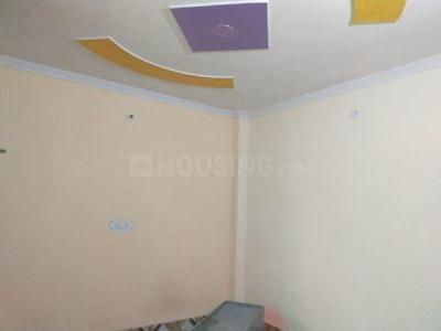 Gallery Cover Image of 450 Sq.ft 1 RK Independent Floor for rent in Dwarka Mor for 5000