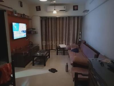 Gallery Cover Image of 750 Sq.ft 1 BHK Apartment for rent in Lotus Link Square, Malad West for 35000