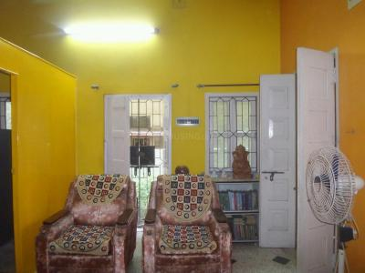 Gallery Cover Image of 600 Sq.ft 1 BHK Independent House for rent in Tollygunge for 15000