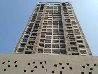 Gallery Cover Image of 1600 Sq.ft 3 BHK Apartment for rent in Kesar Ashish, Kandivali West for 65000