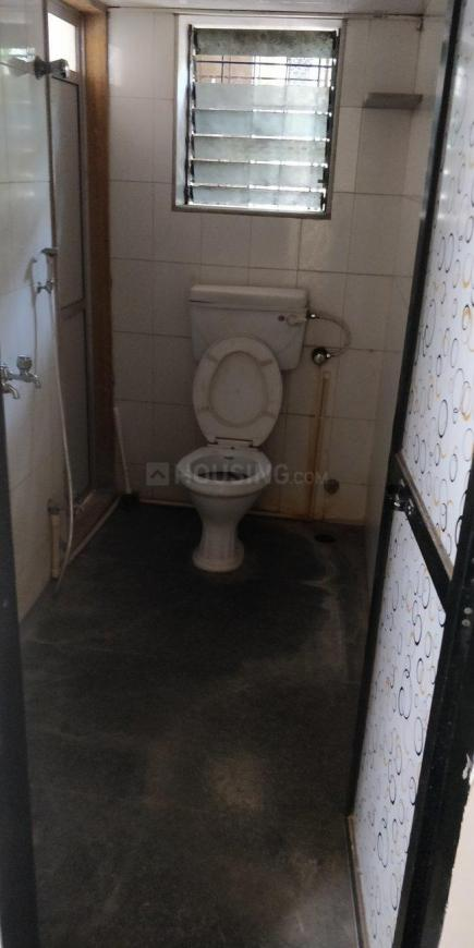 Common Bathroom Image of 600 Sq.ft 1 BHK Apartment for rent in Jogeshwari East for 25000