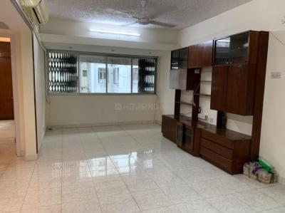 Gallery Cover Image of 1600 Sq.ft 3 BHK Apartment for rent in Khaibar, Bandra West for 80000