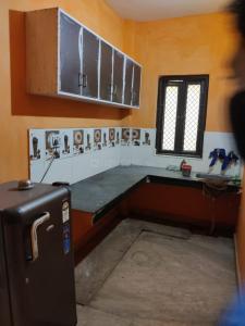 Kitchen Image of Gupta P G in Uttam Nagar