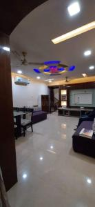 Gallery Cover Image of 1100 Sq.ft 2 BHK Apartment for rent in Chembur for 55000