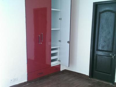 Gallery Cover Image of 1150 Sq.ft 2 BHK Apartment for rent in Sector 61 for 25000