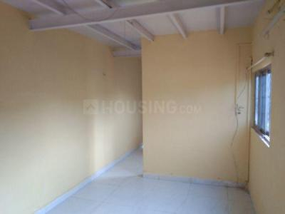 Gallery Cover Image of 650 Sq.ft 1 BHK Independent Floor for rent in Malad West for 10000
