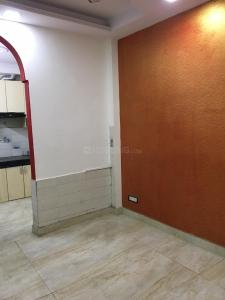 Gallery Cover Image of 650 Sq.ft 2 BHK Independent Floor for buy in Govindpuri for 2395000