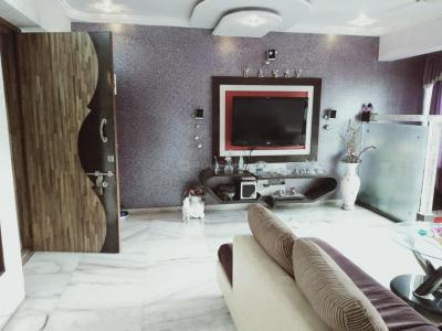 Gallery Cover Image of 1600 Sq.ft 3 BHK Apartment for buy in Thane West for 17500000
