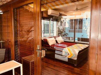 Gallery Cover Image of 1750 Sq.ft 3 BHK Apartment for rent in Ballygunge for 110000