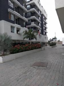 Gallery Cover Image of 890 Sq.ft 2 BHK Apartment for buy in Singapore Green View, Manglia for 2200000
