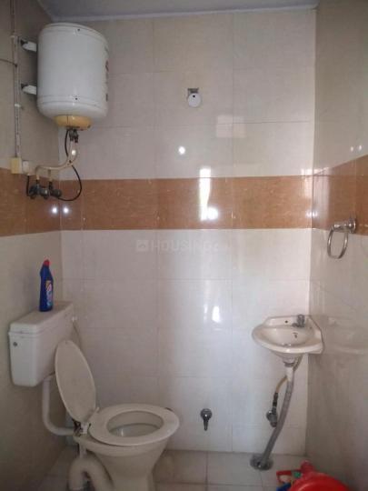 Bathroom Image of Harmeet Singh PG in Rajouri Garden