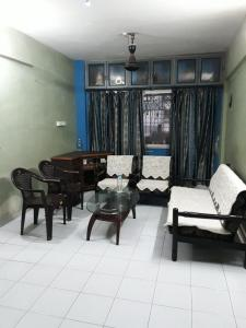 Gallery Cover Image of 1000 Sq.ft 2 BHK Apartment for rent in Siddhesh tower, Thane West for 23000