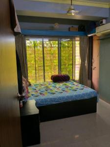Gallery Cover Image of 550 Sq.ft 1 BHK Apartment for buy in Mazgaon for 11500000