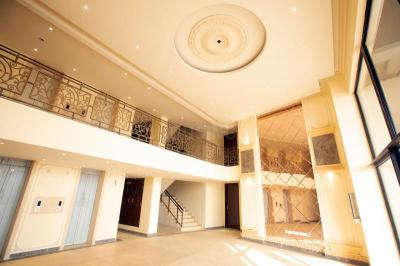 Gallery Cover Image of 1650 Sq.ft 3 BHK Apartment for buy in BPTP Discovery Park, Sector 80 for 5700000