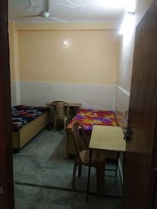 Bedroom Image of Sakshi PG in Laxmi Nagar