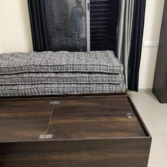 गुलबाई टेकरा में मेरिगोल्ड गर्ल्स पीजी के बेडरूम की तस्वीर
