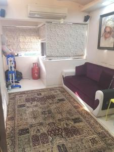 Gallery Cover Image of 630 Sq.ft 1 BHK Apartment for rent in Mazgaon for 35000