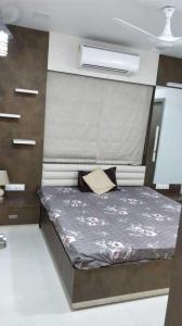 Gallery Cover Image of 1800 Sq.ft 3 BHK Apartment for buy in Utsav Elegance, Memnagar for 12600000