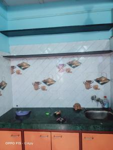 Gallery Cover Image of 300 Sq.ft 1 BHK Independent House for buy in Thane West for 3500000