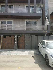 Gallery Cover Image of 1991 Sq.ft 4 BHK Independent Floor for rent in Janakpuri for 55000
