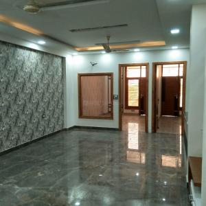 Gallery Cover Image of 1350 Sq.ft 3 BHK Independent Floor for buy in Shakti Khand for 6850000