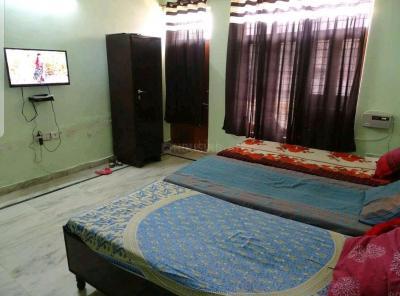 क्लाउड 9 रूम्स इन सेक्टर 45 के बेडरूम की तस्वीर