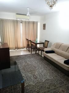 Gallery Cover Image of 1020 Sq.ft 2 BHK Apartment for buy in Panchvati , Powai for 18000000