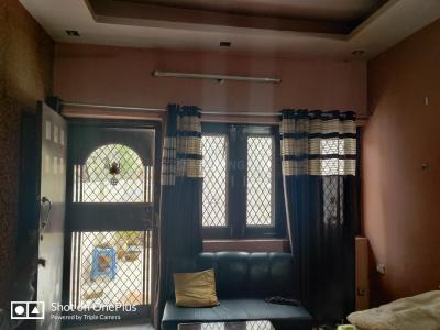 Gallery Cover Image of 1600 Sq.ft 3 BHK Independent Floor for rent in Vaishali for 18000