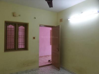 Gallery Cover Image of 550 Sq.ft 1 BHK Apartment for rent in Karappakam for 8500