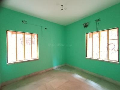 Gallery Cover Image of 700 Sq.ft 2 BHK Apartment for rent in Birati for 6500