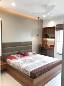 Gallery Cover Image of 980 Sq.ft 2 BHK Apartment for rent in Thane West for 39000