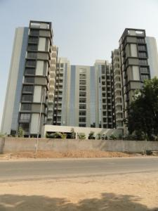 Gallery Cover Image of 1892 Sq.ft 3 BHK Apartment for buy in Makarba for 8500000