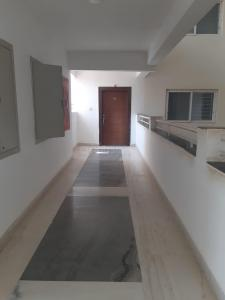 Gallery Cover Image of 2250 Sq.ft 3 BHK Apartment for rent in Tellapur for 18000