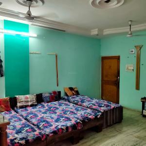 Bedroom Image of Madhav Paying Guest in Navrangpura