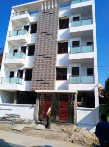 Gallery Cover Image of 500 Sq.ft 1 BHK Independent Floor for buy in Green Field Colony for 2000000