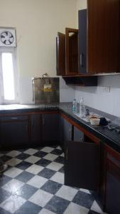 Gallery Cover Image of 2100 Sq.ft 3 BHK Independent Floor for rent in Lajpat Nagar for 55000