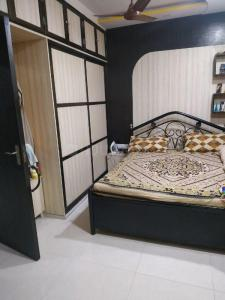 Gallery Cover Image of 600 Sq.ft 1 BHK Apartment for buy in Jai Punit Nagar CHS, Borivali West for 8300000