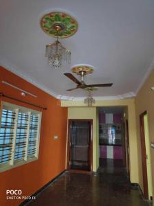 Gallery Cover Image of 1300 Sq.ft 2 BHK Apartment for rent in Mavalli for 25000