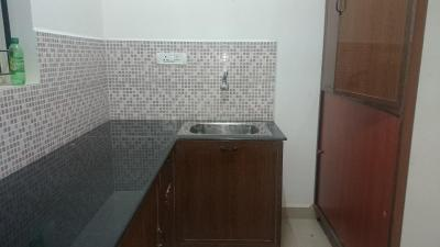 Gallery Cover Image of 900 Sq.ft 2 BHK Apartment for rent in PG Panchavarna, Karanai Puthuchery for 9000