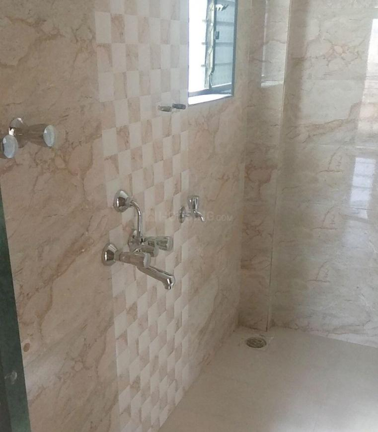Common Bathroom Image of 700 Sq.ft 1 BHK Apartment for rent in Mira Road East for 13000