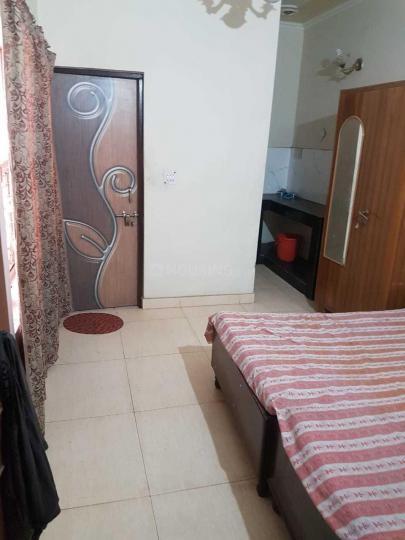 Bedroom Image of Deepak Rent PG in Sector 28