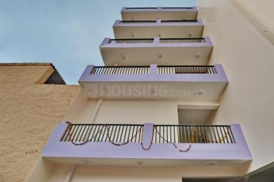 Building Image of Oyo Life Grg1300 Sector 18 in Sector 18